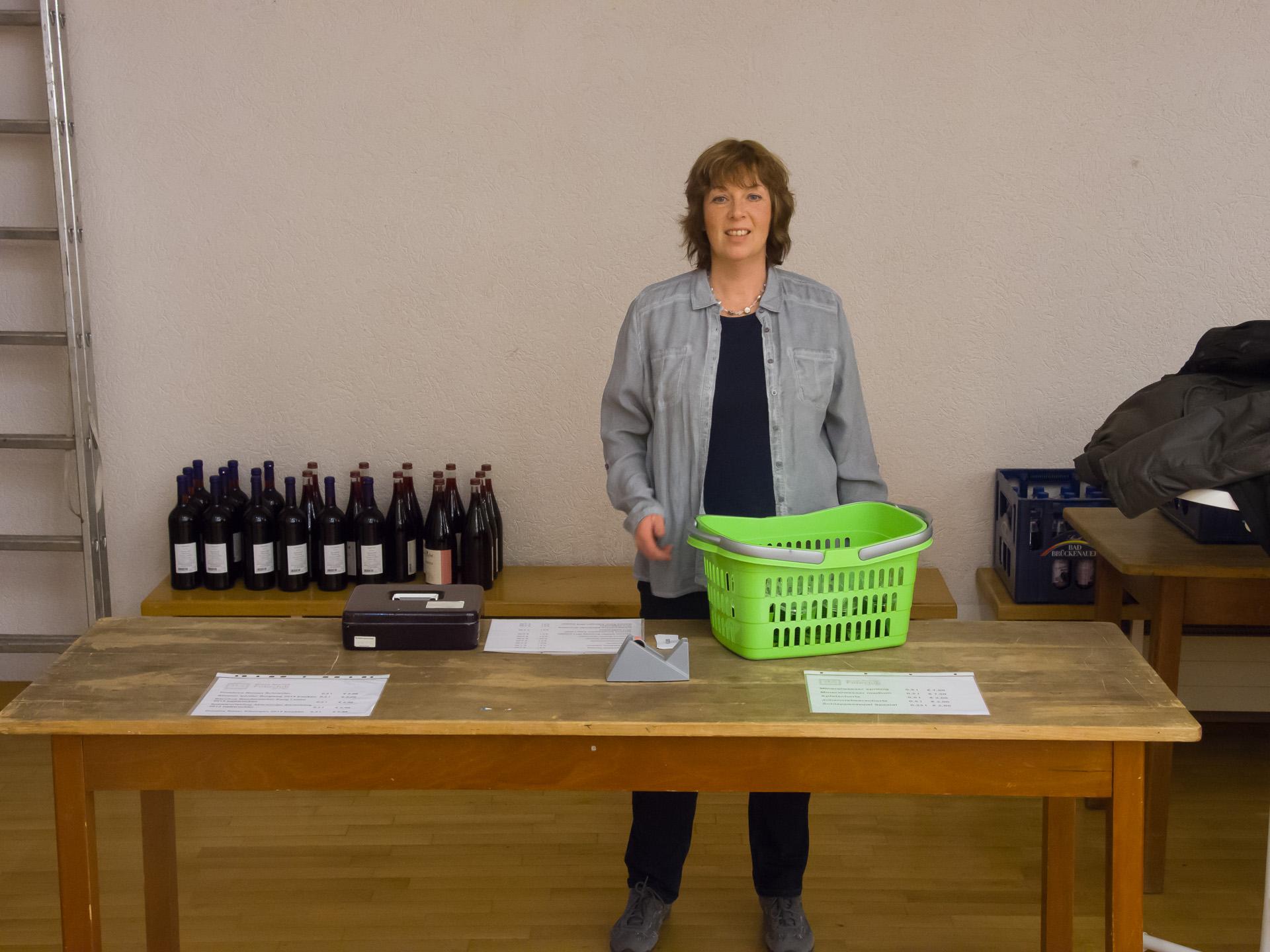 Susanne organisierte den Getränkeverkauf